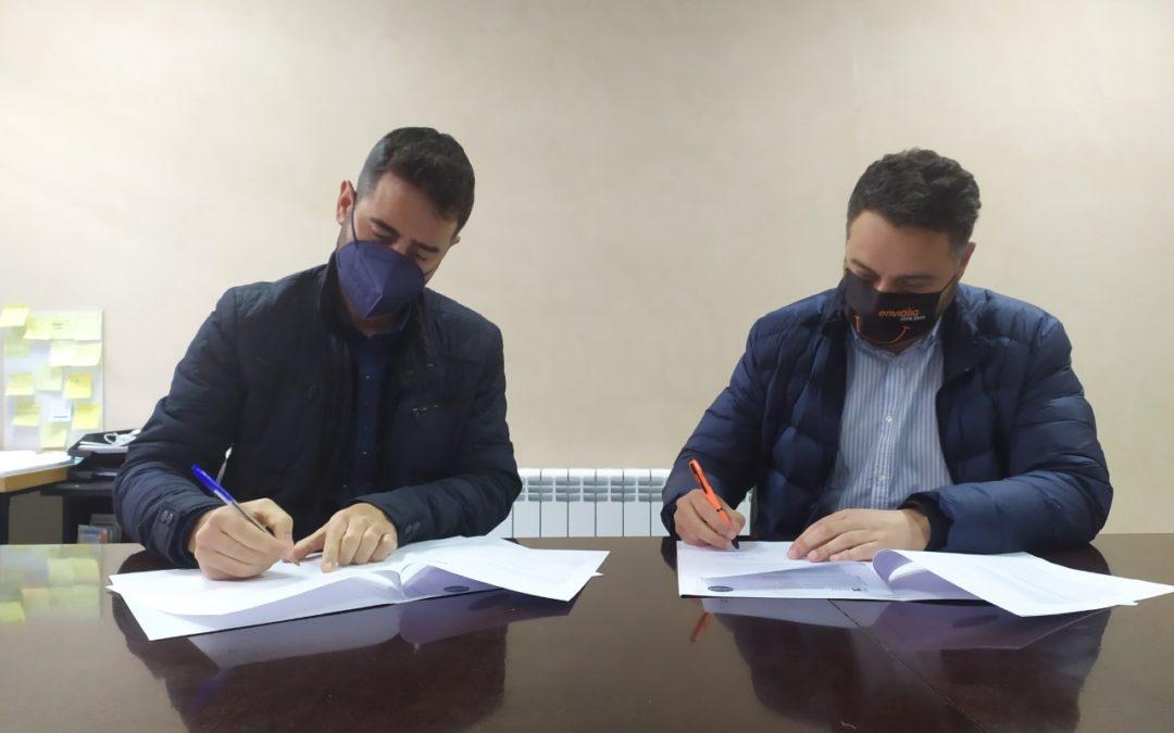 ASETEM firma un convenio de colaboración con Envialia para dotar aos socios dun novo servizo